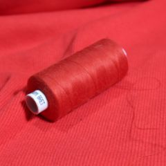Красная ниточка и кардное кашкорсе красное